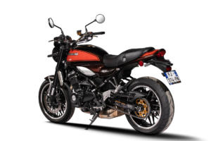 Kawasaki_Z900RS_3